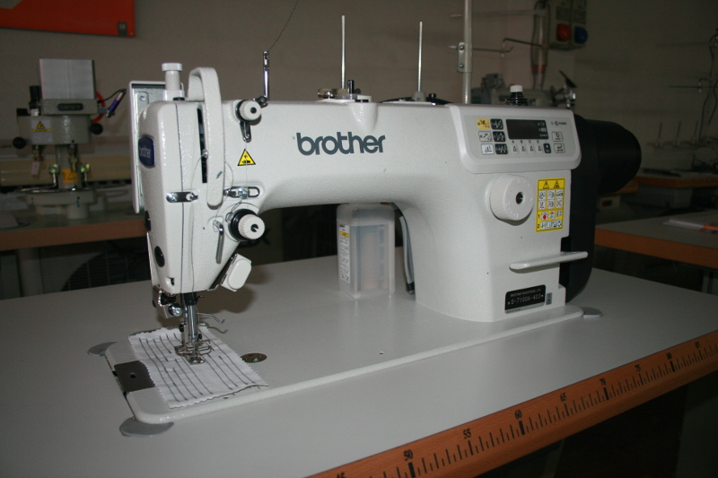 Masina de cusut Brother S-7100A-403