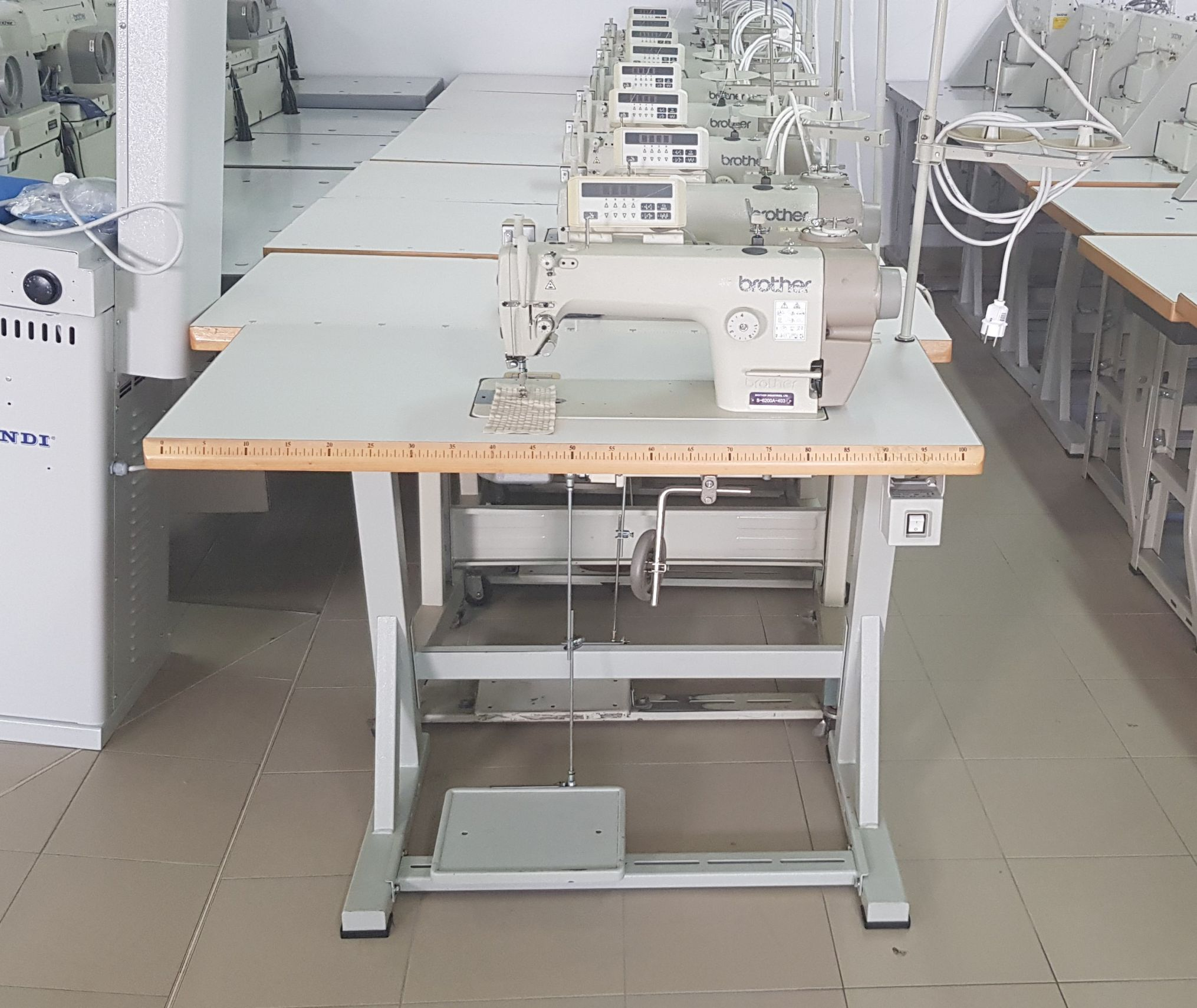 Masina de cusut liniar BROTHER S-6200A-403