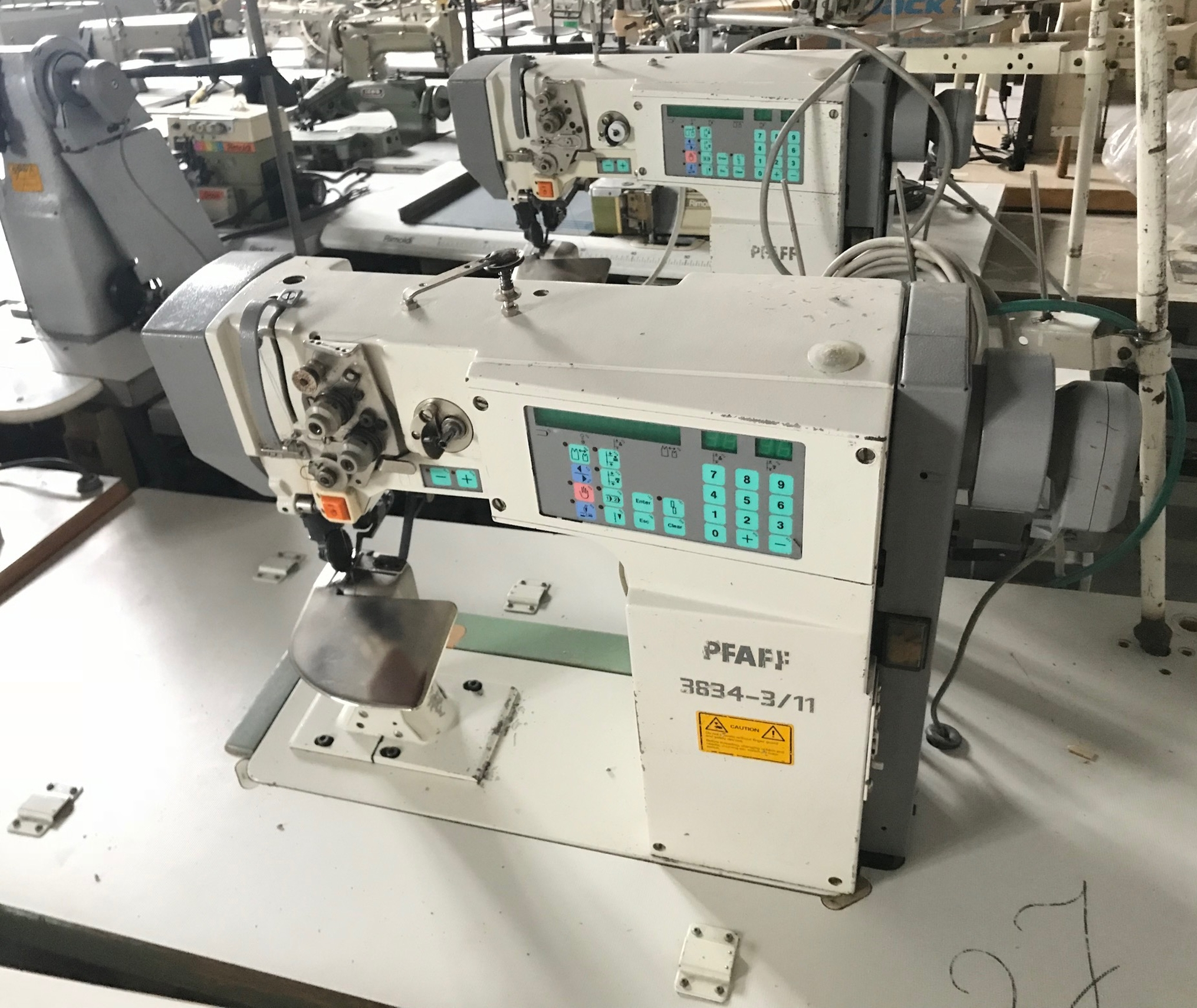 PFAFF 3834-3/11 Sleeves Applying Machine