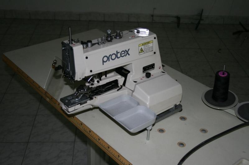 Masini de cusut nasturi marca PROTEX