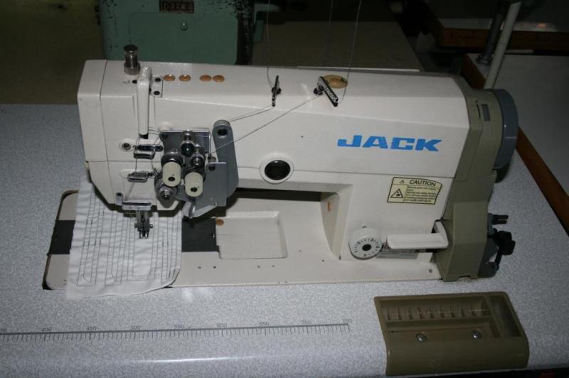 Masina de cusut marca JACK