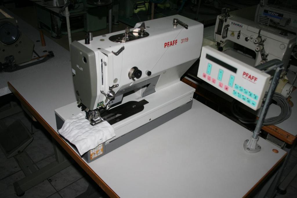 Masina de cusut butoniera PFAFF 3119