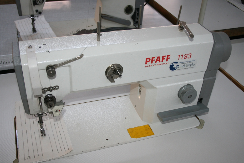 Masina de cusut full automata marca PFAFF 1183