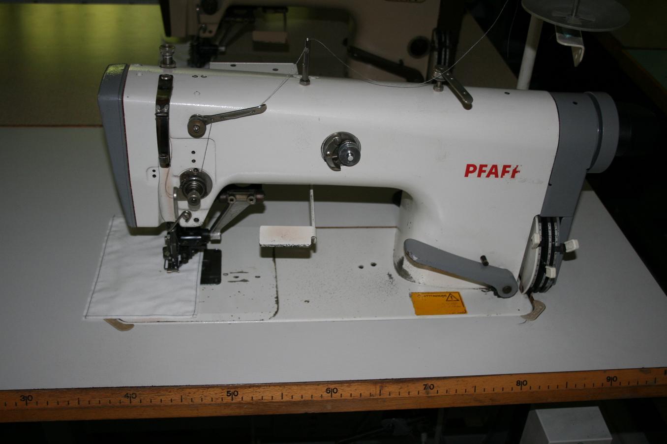 Masina de cusut si rihtuit pfaff 487