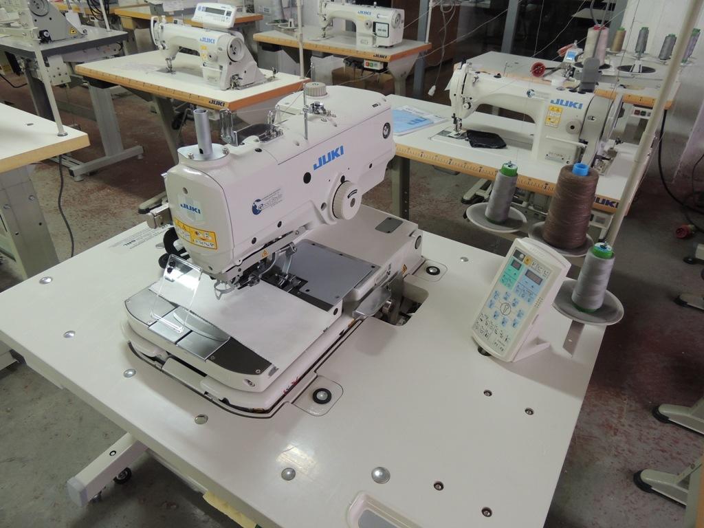 Masina electronica de cusut butoniera grea marca JUKI MEB-3200S