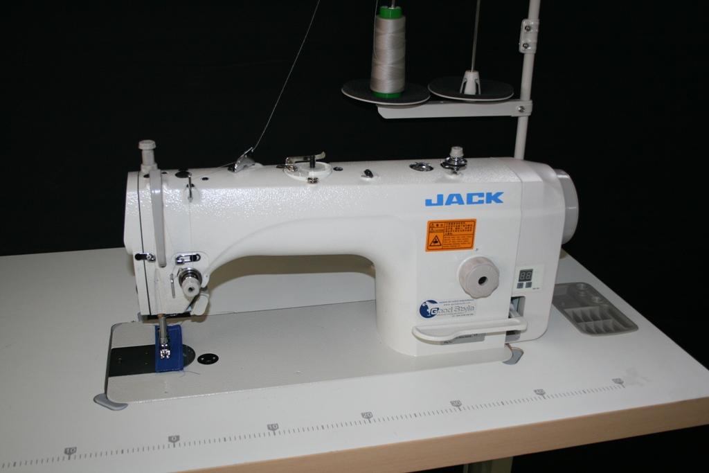Masini de cusut liniare Jack JK-9100