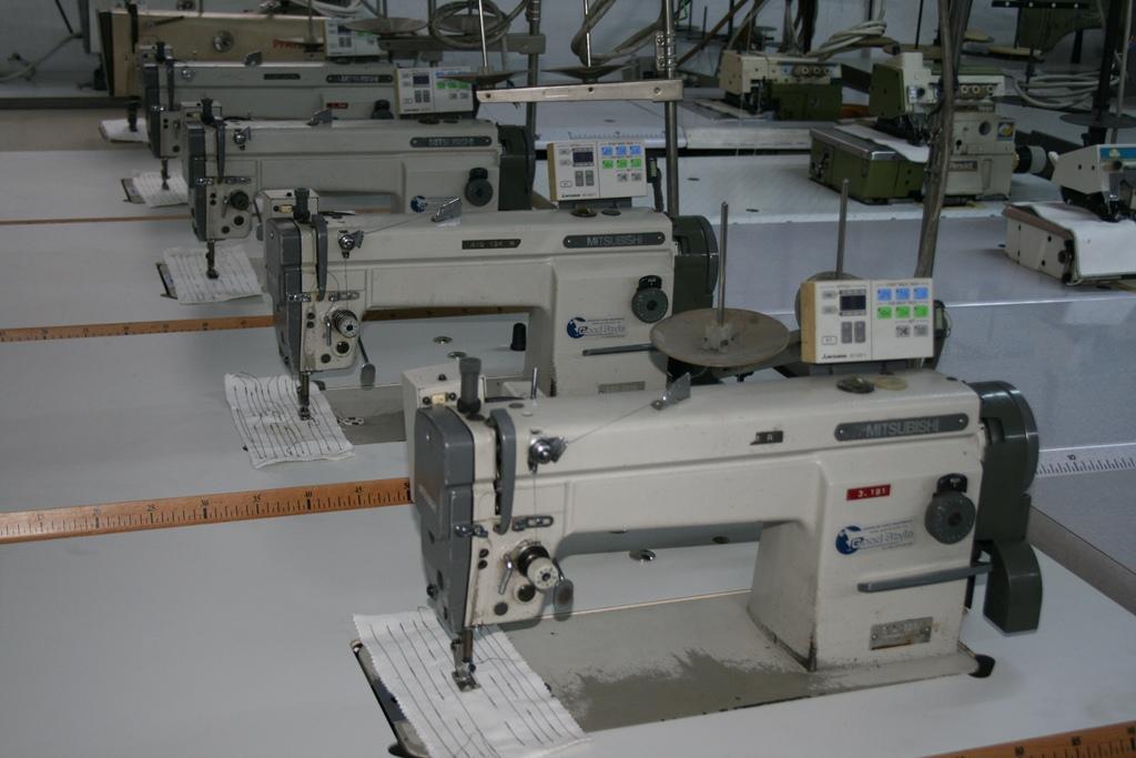 Masini de cusut industriale marca Mitsubishi LS2-2210