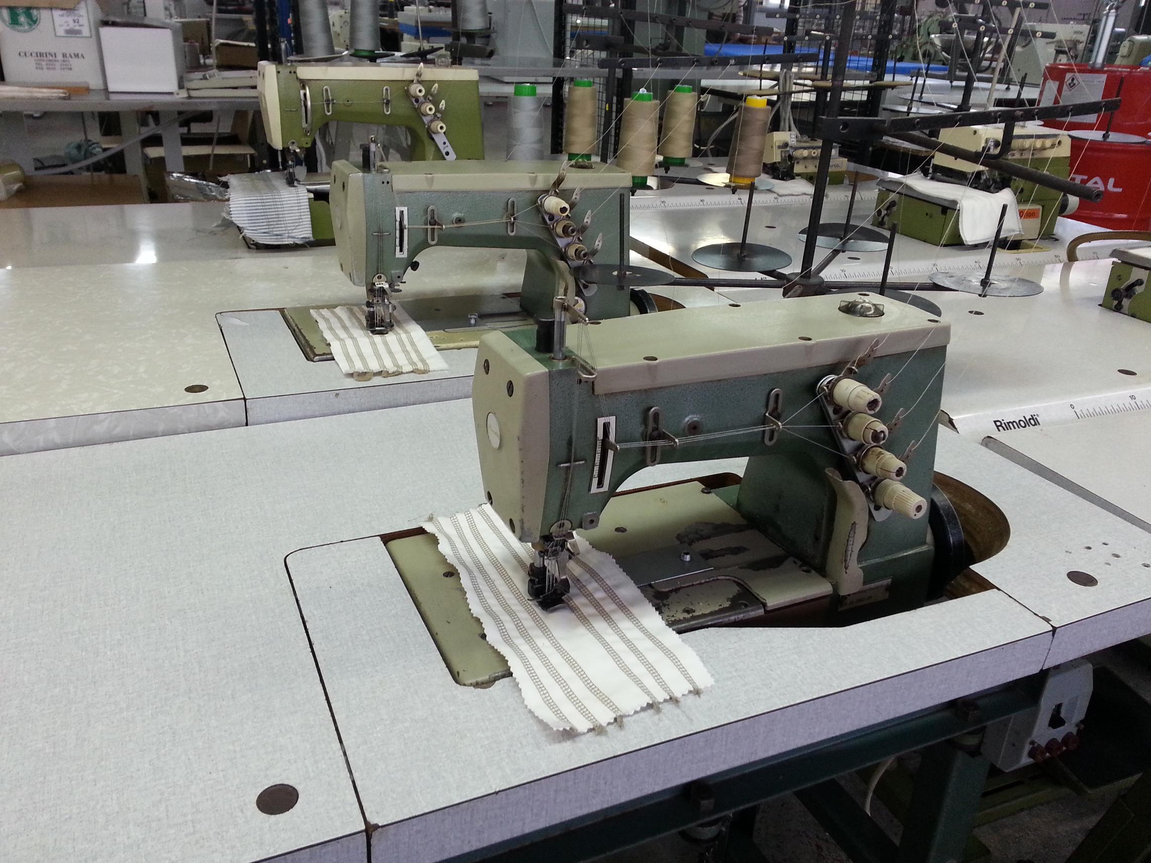 Interlock sewing machine Rimoldi 263