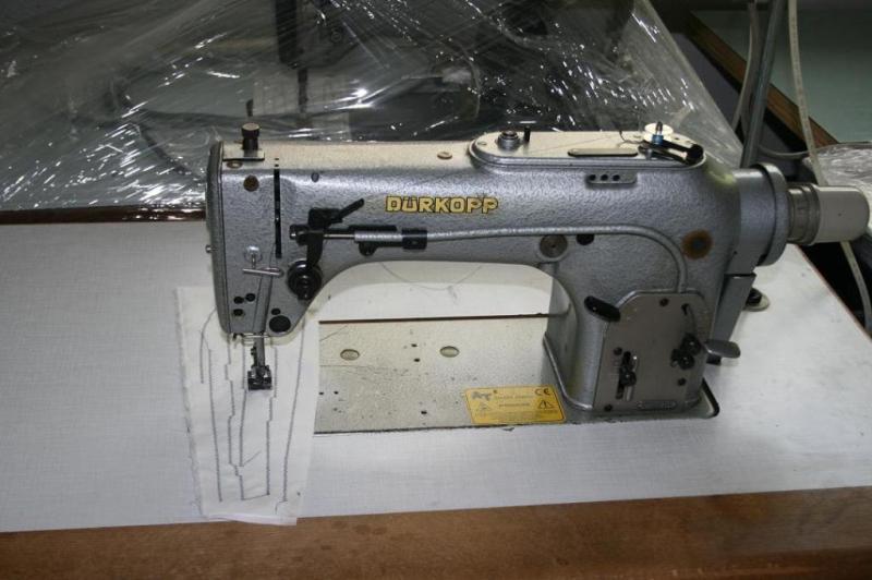 Masina de cusut zig-zag marca DURKOPP